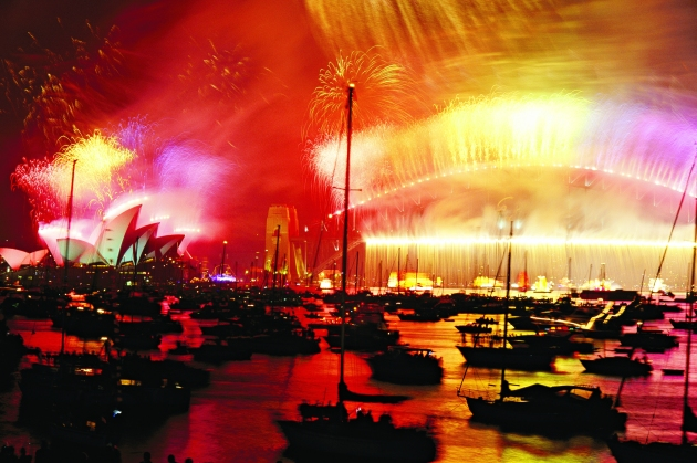 Fireworks light up Sydney Harbour