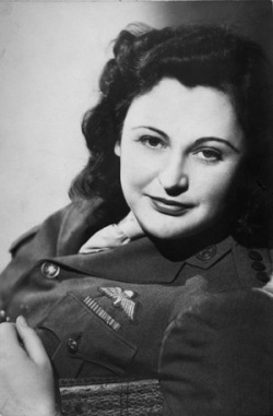 Nancy Wake 1945